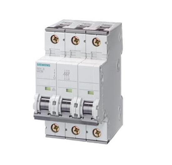 Immagine di Interruttore magnetotermico 400V 10 kA, a 3 poli, C, 50A, P=70 mm